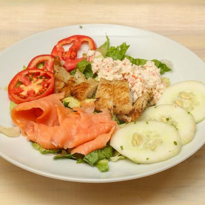 Salad with smoked salmon